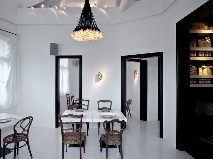 Droog design 85 droog chandelier surrounding 85 droog chandelier aloadofball Choice Image