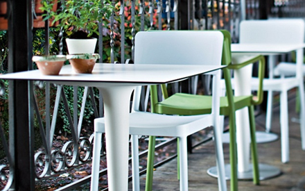 Serralunga furniture pile up outdoor table for Serralunga furniture