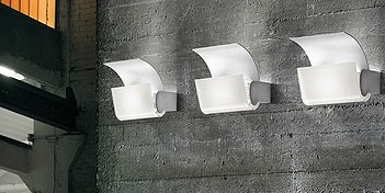 ITRE | CAST WALL LAMP