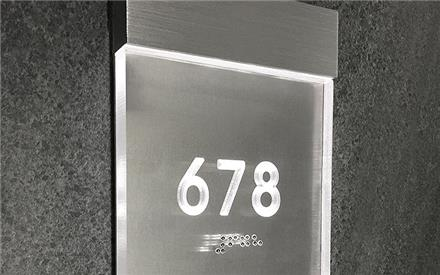 LUXELLO | LIGHTED CLEAR ROOM NUMBER SIGN