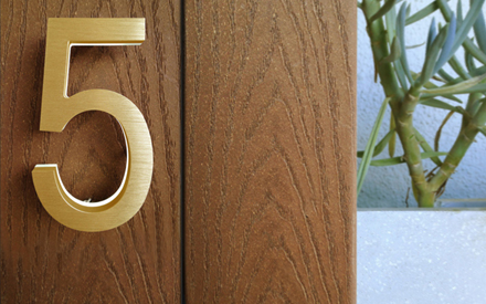 LUXELLO | MODERN BRASS LED HOUSE NUMBERS 5