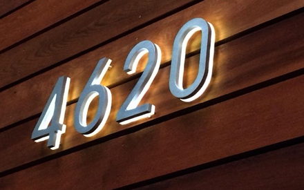 LUXELLO | MODERN 8 BACKLIT LED HOUSE NUMBERS