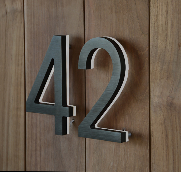 Luxello modern bronze house numbers illuminated for Bright houses number